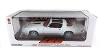 Greenlight: 1981 Chevy Camaro Z/28 (White with Red Stripes) 1/18 Scale
