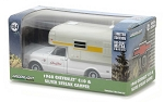 Greenlight: 1968 Chevy C10 & Silver Streak Camper 1/64 Scale