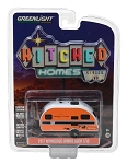 Greenlight Hitched Homes Series 2: 2017 Winnebago Winnie Drop 1710 1/64 Scale