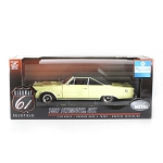 Highway 61: 1967 Plymouth GTX (Yellow) 1/18 Scale