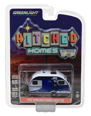 Greenlight Hitched Homes Series 2: 2016 Winnebago Winnie Drop 1710 1/64 Scale